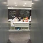 Proyectos Integrales para Farmacias. Mobiliario, estanterías, rótulos... Girona. INSTALUX.
